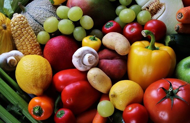 Healthy Vegetables Fruit Colorful  - pasja1000 / Pixabay